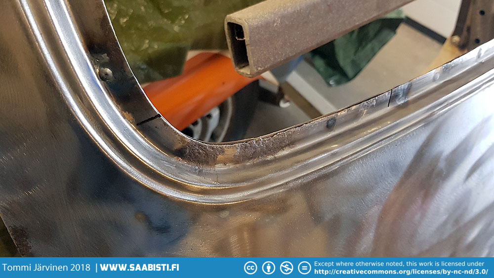 There was enough of rust damage around the window frame of the hatch that we decided to replace the corroded sections.